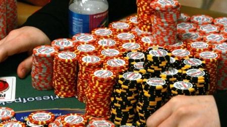 Hướng dẫn chơi đánh bài Poker trực tuyến