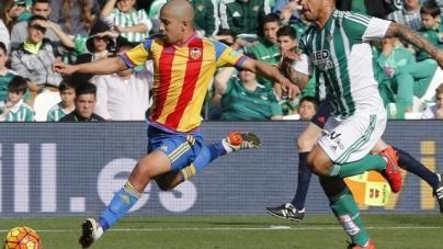 Soi kèo Real Betis vs Valencia, 01h45 ngày 16/10, VĐQG Tây Ban Nha